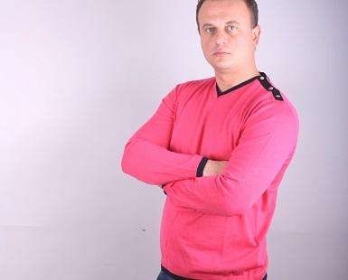 Мъжки пуловер шпиц  модел 1214242V3100