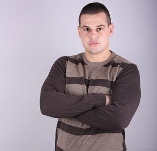 Мъжки пуловер райе бие модел 1214859С3520